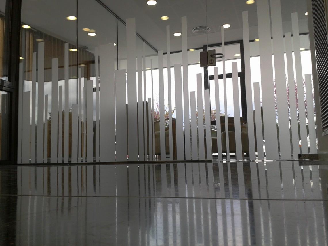 Centro de impresi n y papeler a t cnica tecniplanos for Vinilo exterior pared